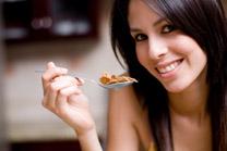Mangi senza piacere? Rischi l'obesità